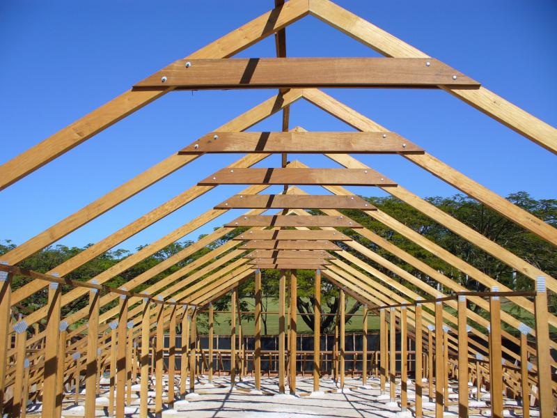 Onde comprar madeira para telhado